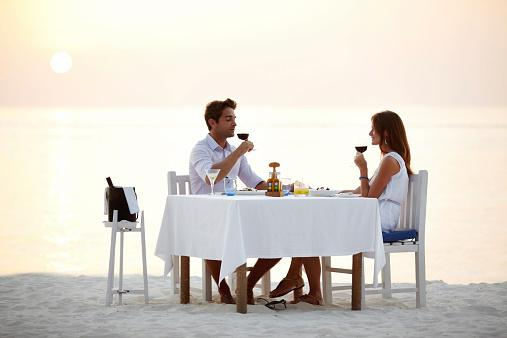 Romantic Beach Dinner Source A Cancer Woman