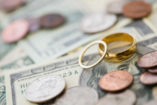 wedding rings with money