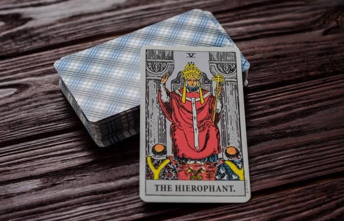The Hierophant card in Tarot