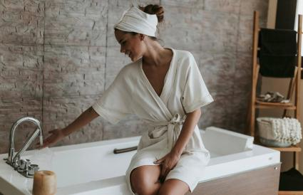 woman preparing a bath