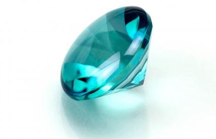aquamarine round cut stone