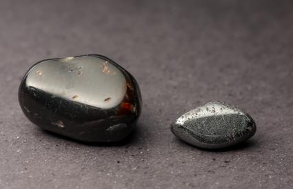 Hematite and granada polished crystals
