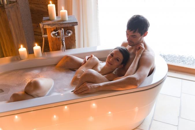 Escorpio y Piscis disfrutando un baño