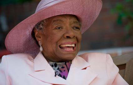La poetisa Dra. Maya Angelou