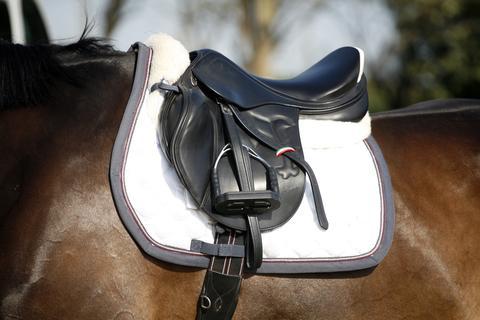 Horse Saddles | LoveToKnow