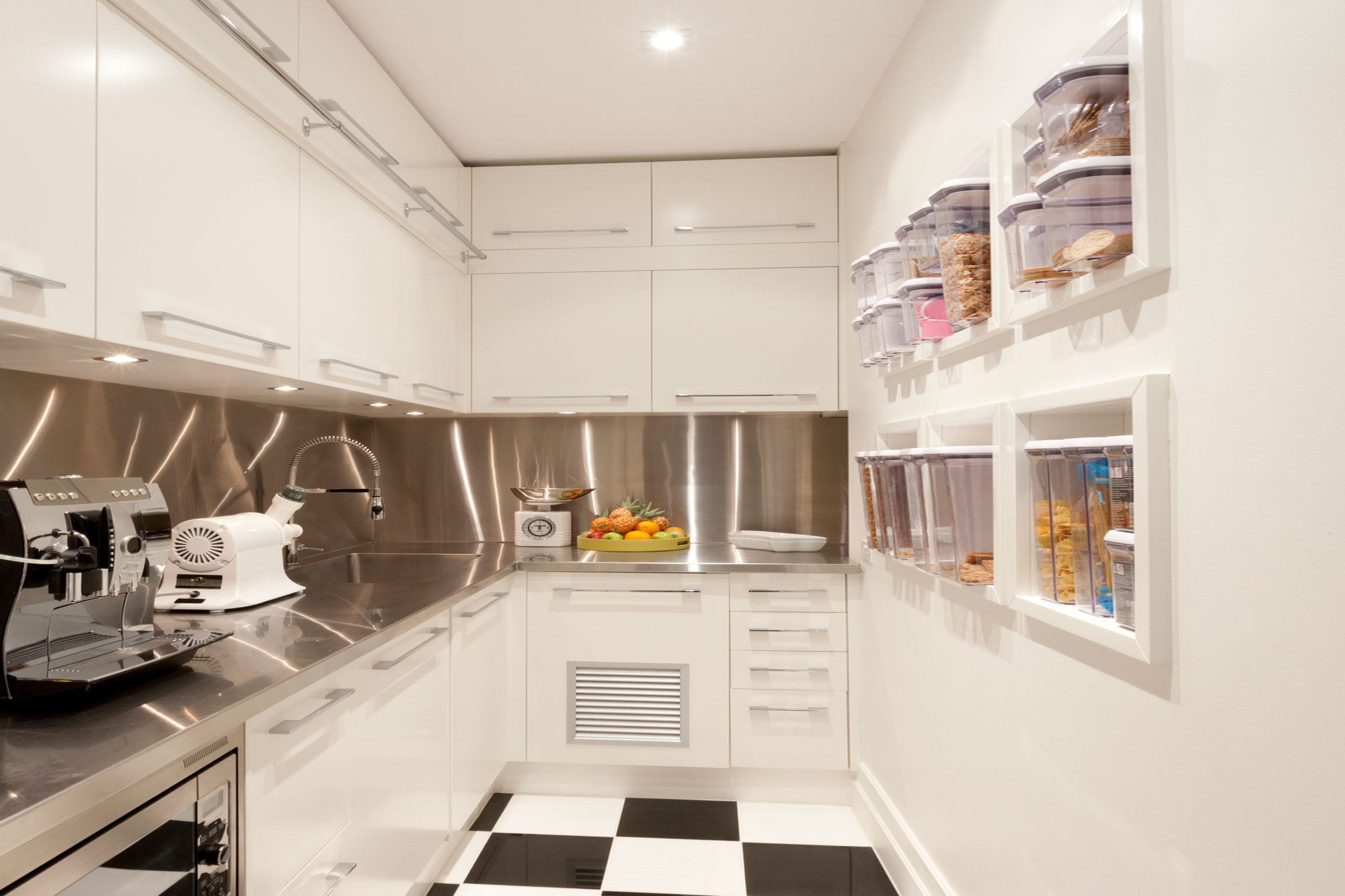 19 Clever Space Saving Ideas Tips For Small Kitchens Lovetoknow