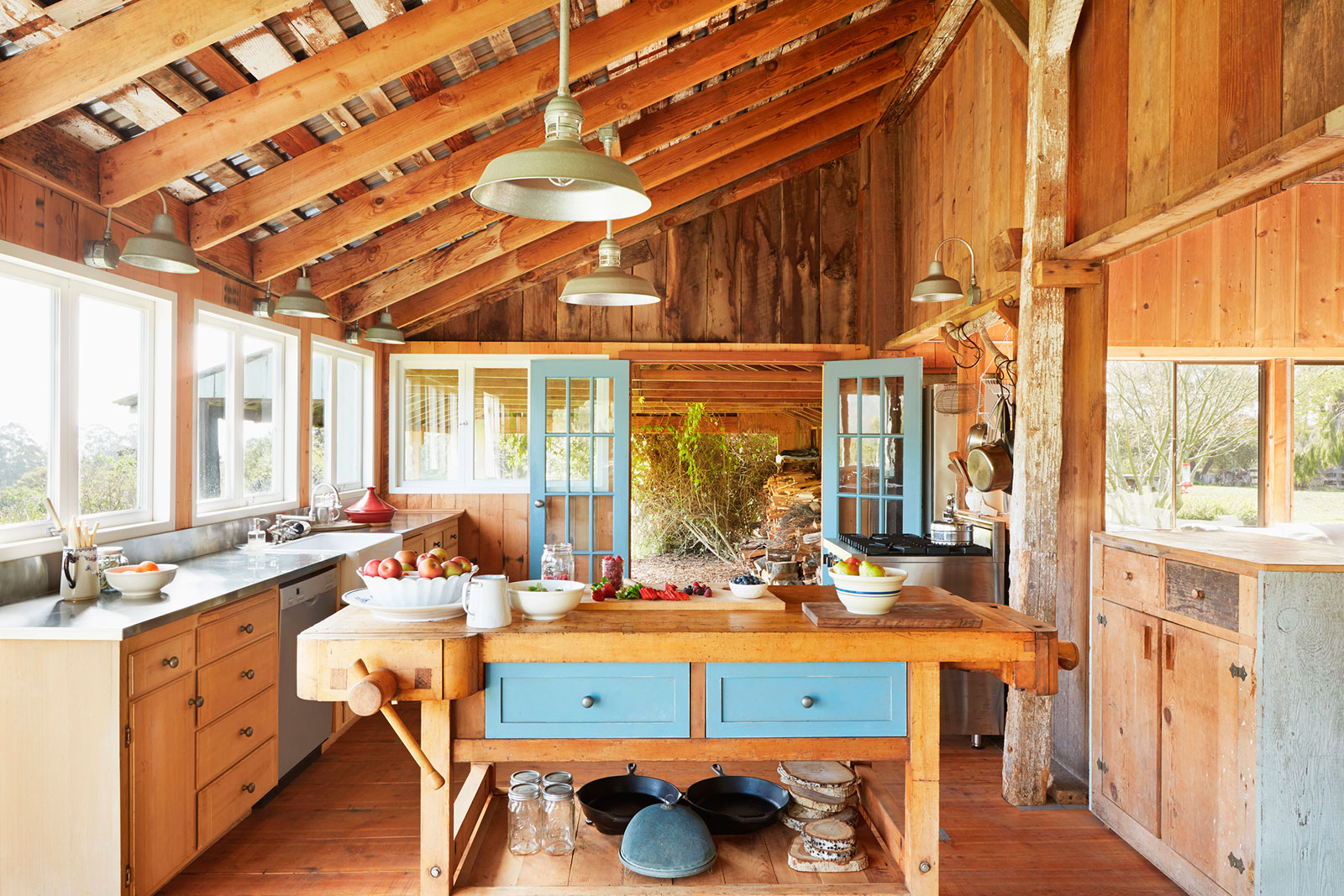 8 Ideas For Barn Style Interiors Lovetoknow