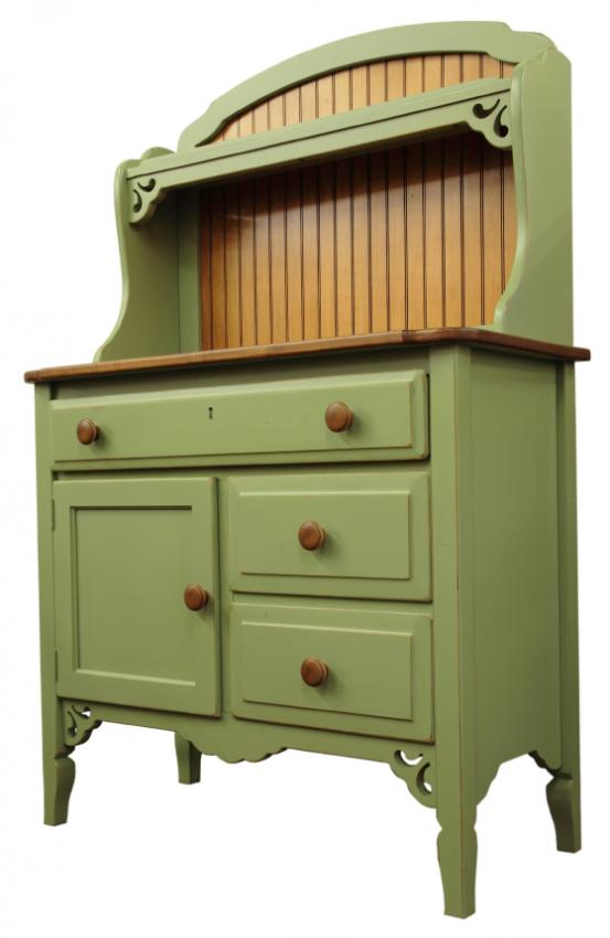 https://cf.ltkcdn.net/interiordesign/images/slide/105542-553x850-country-cupboard.jpg