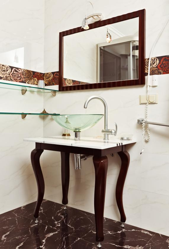 https://cf.ltkcdn.net/interiordesign/images/slide/142632-571x841r1-furniture-vanity.jpg