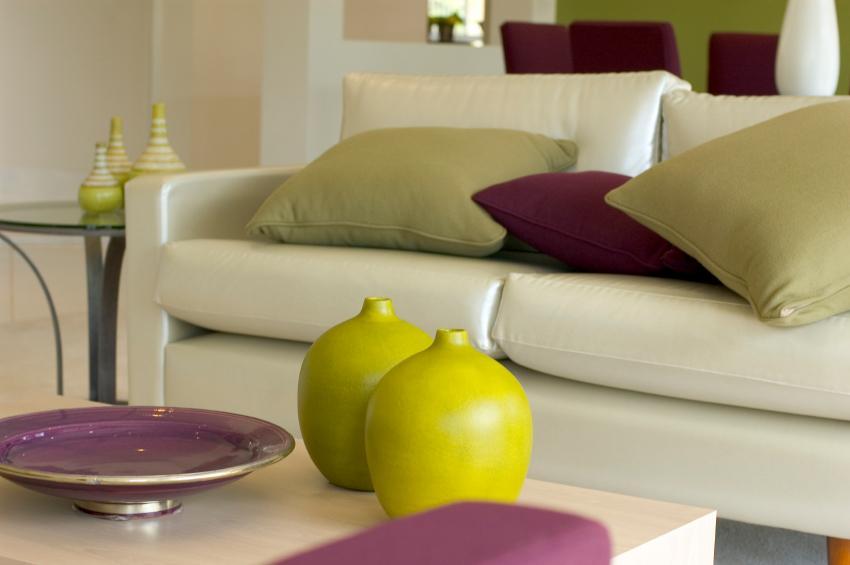 https://cf.ltkcdn.net/interiordesign/images/slide/142952-850x565r1-pillows.jpg