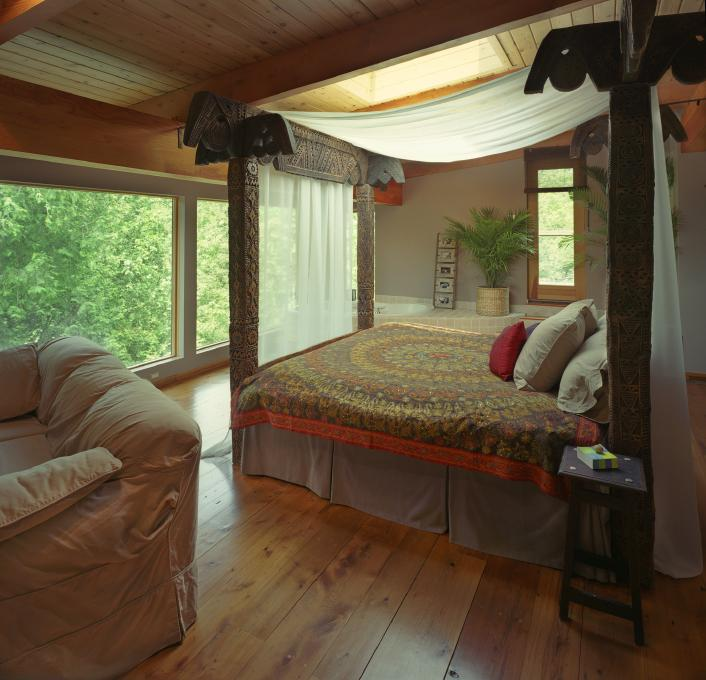 https://cf.ltkcdn.net/interiordesign/images/slide/144843-706x680-transitional-bedroom.jpg