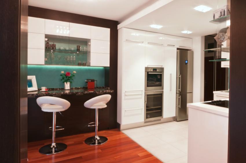 https://cf.ltkcdn.net/interiordesign/images/slide/163798-850x562-kitchen-bar.jpg