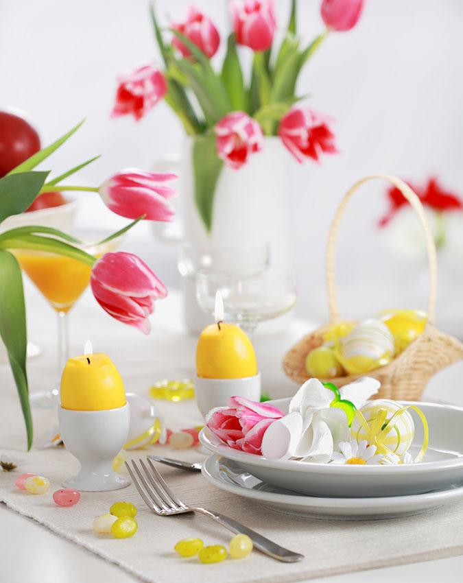 https://cf.ltkcdn.net/interiordesign/images/slide/189600-675x850-Easter-Table-Setting.jpg