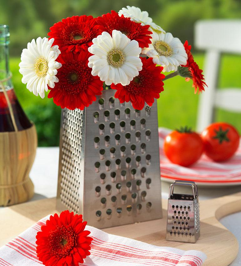 Red And White Flowers With Grater Decorations