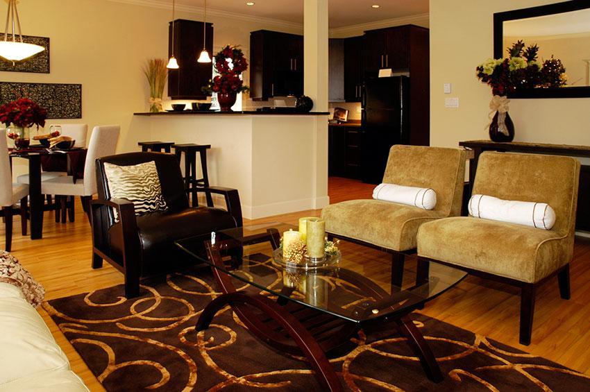 https://cf.ltkcdn.net/interiordesign/images/slide/196931-850x565-chair-arrangement-in-living-room.jpg