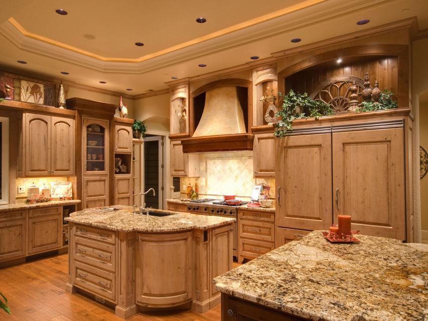 https://cf.ltkcdn.net/interiordesign/images/slide/201752-850x638-decorative-element-above-cabinet.jpg