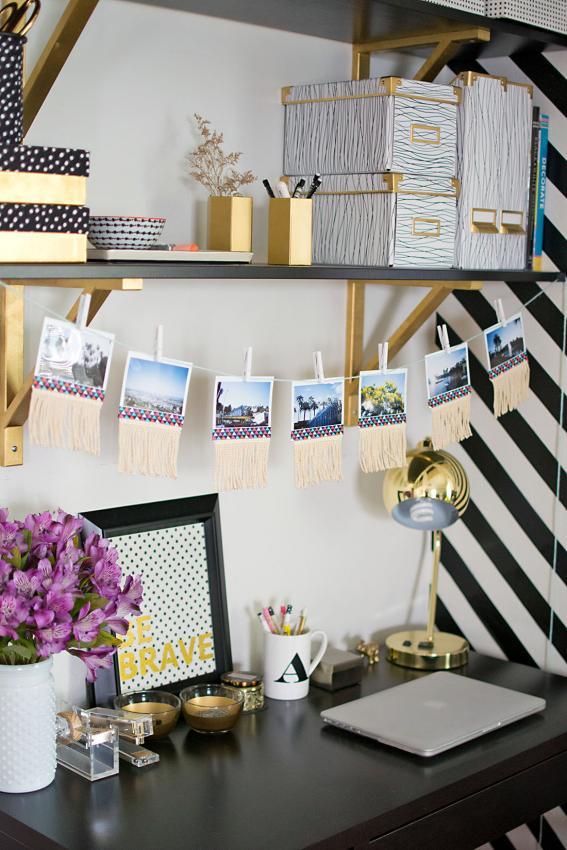 https://cf.ltkcdn.net/interiordesign/images/slide/209259-567x850-Photo-garland-above-desk2.jpg