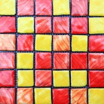 https://cf.ltkcdn.net/interiordesign/images/slide/105497-346x347-Colorful-Glass-Tile.jpg