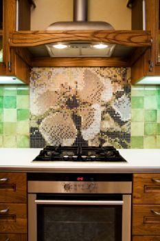 https://cf.ltkcdn.net/interiordesign/images/slide/105506-233x350-glass-mural.jpg