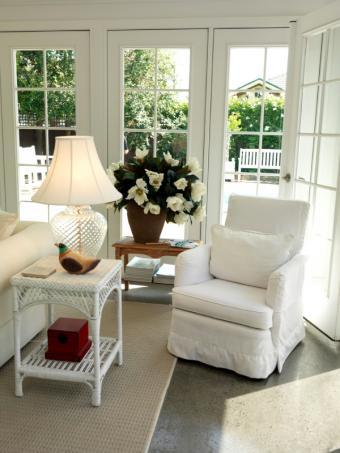 https://cf.ltkcdn.net/interiordesign/images/slide/105537-600x800-country-sun-room.jpg