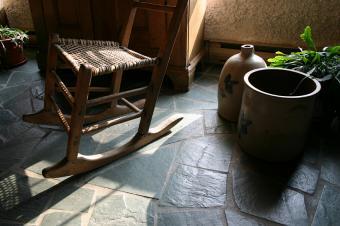 https://cf.ltkcdn.net/interiordesign/images/slide/105538-849x565-rocking-chair-on-rock-floor.jpg