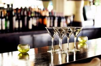 11 Home Bar Design Ideas to Enchant and Entertain
