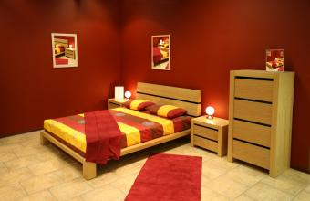 https://cf.ltkcdn.net/interiordesign/images/slide/142871-850x549r1-bedroom-tile-floor.jpg