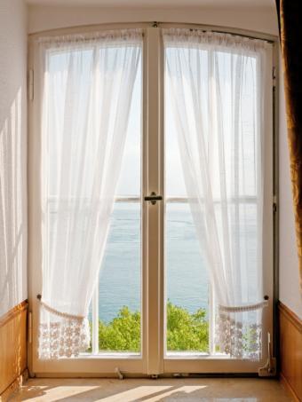 Sunny window sheers