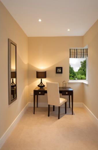 https://cf.ltkcdn.net/interiordesign/images/slide/164184-555x850-simple-home-office.jpg