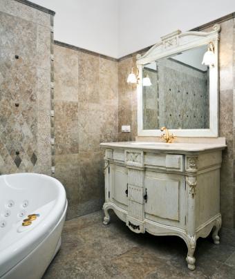 https://cf.ltkcdn.net/interiordesign/images/slide/167604-636x755-bathroom.jpg