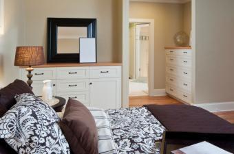 https://cf.ltkcdn.net/interiordesign/images/slide/168378-850x563-dressing-room.jpg