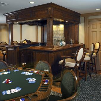 https://cf.ltkcdn.net/interiordesign/images/slide/172166-850x850-Poker-table-home-bar-Gardner-Fox-sm.jpg