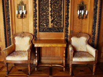 Tudor style foyer