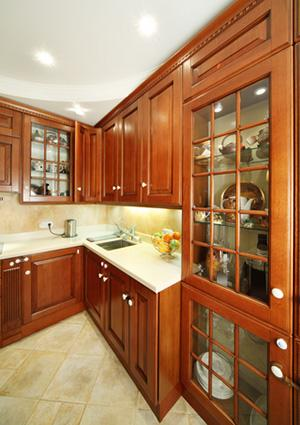 Kitchen cupboards with decorative mullions
