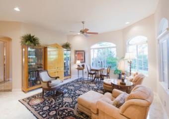 Livingroom with rug