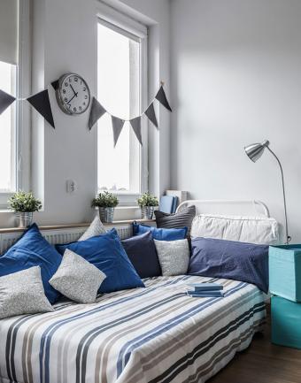 https://cf.ltkcdn.net/interiordesign/images/slide/191839-668x850-blue-grey-bedroom-color-scheme.jpg