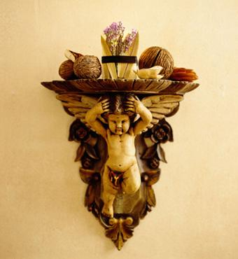 8 Decorative Shelves to Improve Your Home Aesthetic