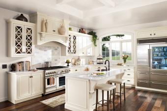 https://cf.ltkcdn.net/interiordesign/images/slide/202191-849x565-BEHR-kitchen.jpg
