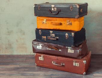 https://cf.ltkcdn.net/interiordesign/images/slide/202550-850x649-Vintage-Suitcases.jpg