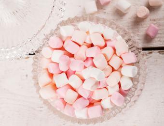 https://cf.ltkcdn.net/interiordesign/images/slide/202556-850x649-Candy-Dish-or-Catch-all.jpg