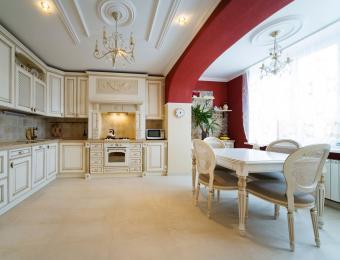 https://cf.ltkcdn.net/interiordesign/images/slide/203552-850x649-Eat-in-kitchen.jpg