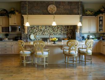 https://cf.ltkcdn.net/interiordesign/images/slide/203553-850x649-Elegant-kitchen.jpg