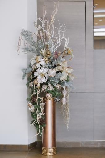 White floral Christmas decoration at the office