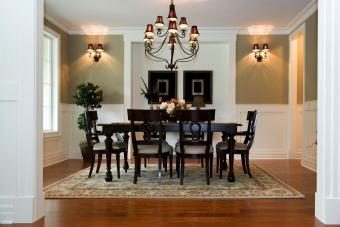 https://cf.ltkcdn.net/interiordesign/images/slide/210089-850x567-Sage-and-White-Dining-Room-with-Espresso-furniture.jpg