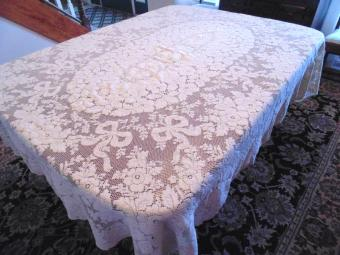 Quaker Lace Tablecloth: The Ultimate Guide
