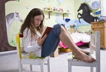 18 Dream-Worthy Horse Bedroom Decor Ideas & Tips