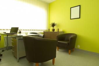https://cf.ltkcdn.net/interiordesign/images/slide/232869-850x567-chartreuse-yellow-office-interior.jpg