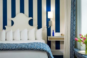 Blue and white vertical stripe wallpaper