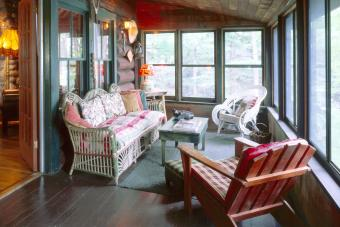 Porch in Lodge in Adirondack style