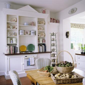 18th century country kitchen